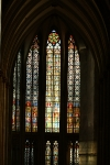 Frontaler Blick in die Chorfenster