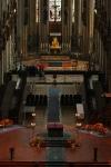Blick auf den Altar- und Chorraum des Kölner Doms