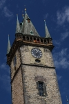 Rathausturm in Prag (stündliches Trompetensignal)