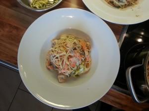 Zucchini-Karotten-Spaghetti mit Shrimps