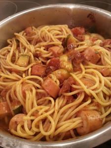 Würstchen Spaghetti - mit Tomatensauce
