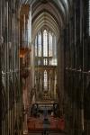 Das Langhaus mit Schwalbennestorgel, Altar und Chorraum