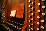Spieltisch der Schwalbennestorgel im Kölner Dom